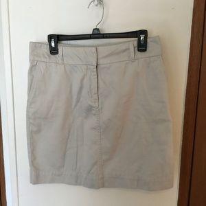 Vineyard Vines Size 6 (31 Waist) Khaki Skirt GUC